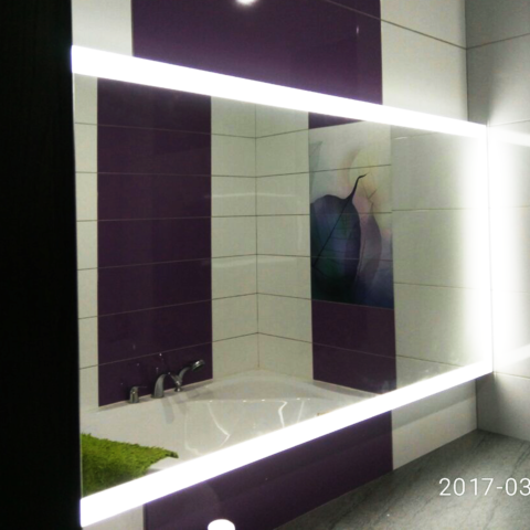 Дзеркало з підсвіткою в ванну кімнату
